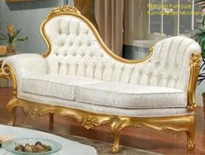 Sofa Santai Holding