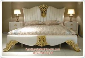 Dipan Tempat Tidur Istana