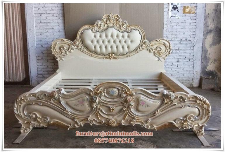 Dipan Klasik Mewah modern, dipan klasik mewah, dipan klasik modern, tempat tidur klasik mewah, tempat tidur klasik, set tempat tidur klasik, tempat tidur mewah, set tempat tidur mewah